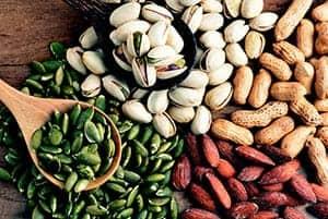 Variedad de distintas nueces