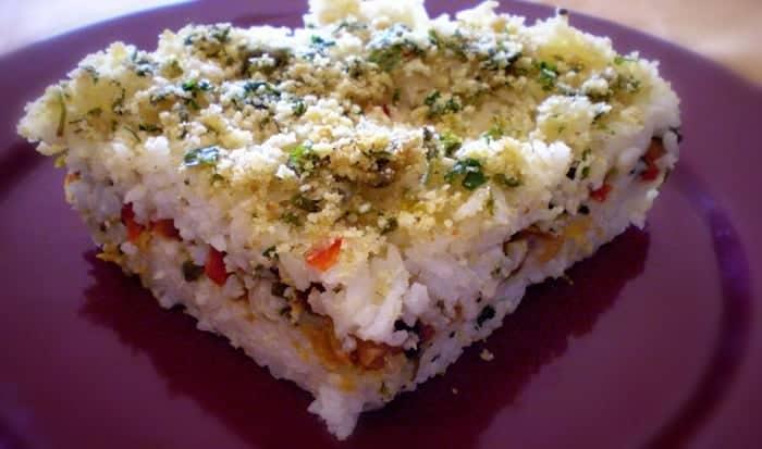 pastel de arroz y pollo
