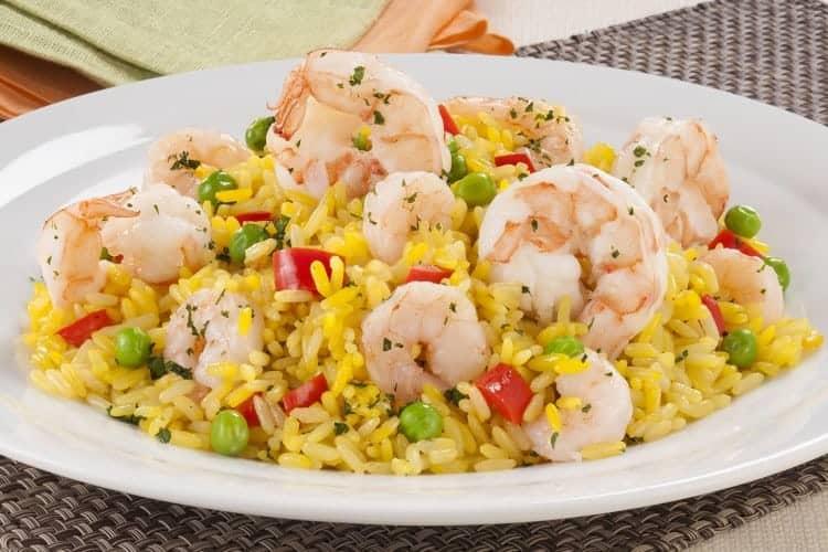 Ensalada con arroz at n y camarones tipsnutritivos - Ensalada de arroz y atun ...