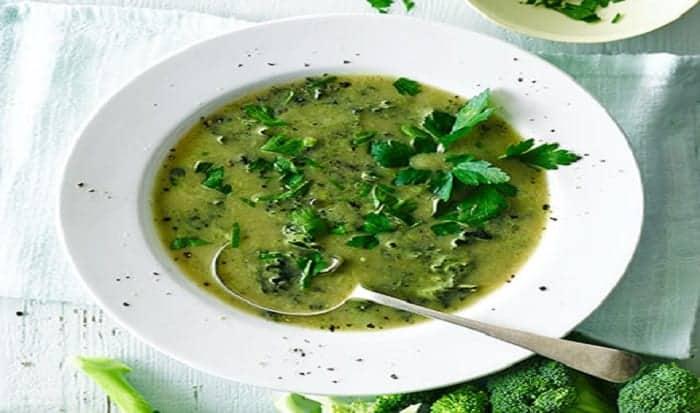 sopa verde de vegetales