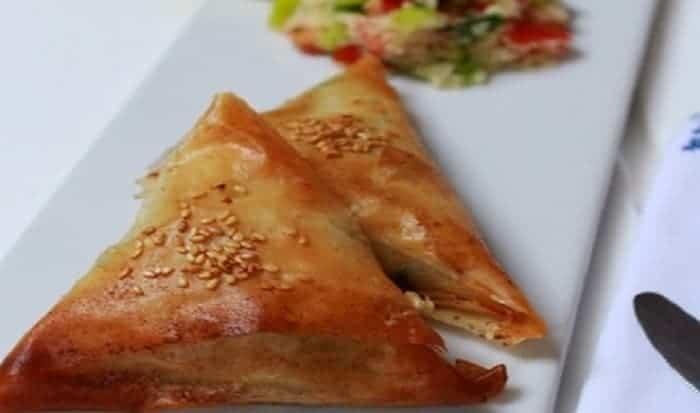 Triángulos de queso feta